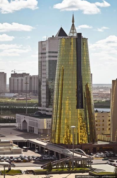 """Здание фонда национального благосостояния """"Самрук - Казына"""""""