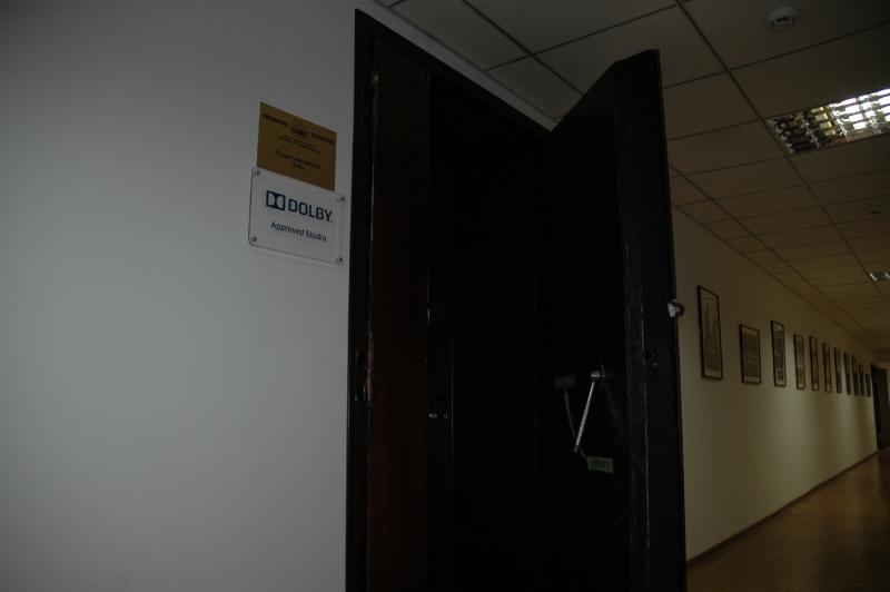 Вот такие там двери